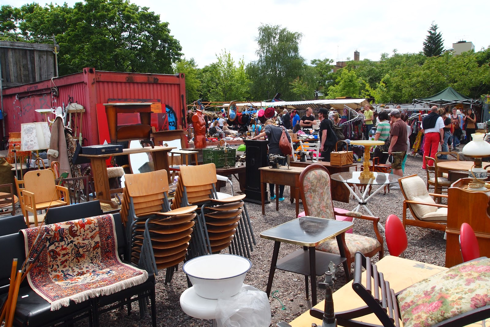 flohmarkt am mauerpark berlin mycityhighlight. Black Bedroom Furniture Sets. Home Design Ideas